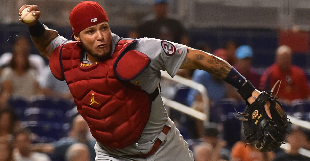 Molina wins ninth Rawlings Gold Glove award