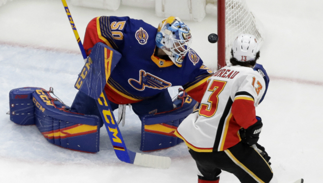 Blues fall to Flames in last seconds of overtime